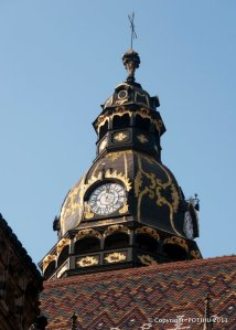 kosice-d-st-elisabeth-cathedral-with-clock-detail1