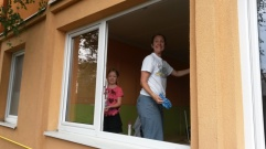 Cleaning windows (Roma School in Kezmarok).